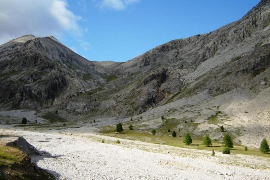 Mont Chaberton besagtes Flussbett und Blick auf den Nordsattel