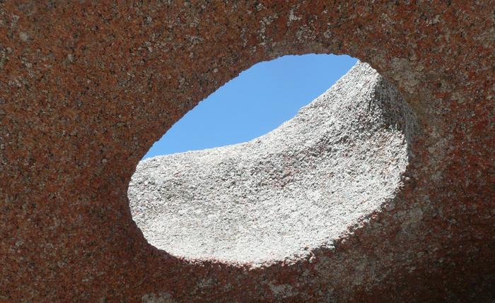 Outdoorküche Stein Wikipedia : Loch im stein ist das geologisch erklärbar