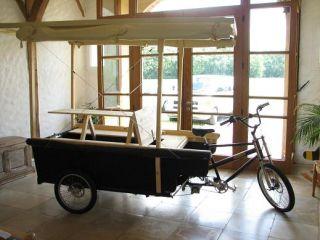 fahrradanh nger mit schlafm glichkeit. Black Bedroom Furniture Sets. Home Design Ideas