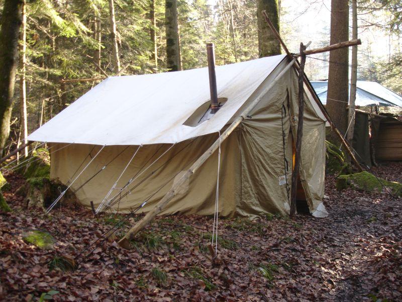 Zelt Im Koffer : Ch wintercamping im wald in der zentralschweiz