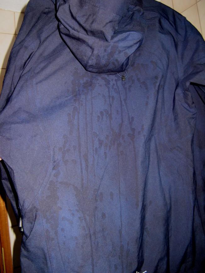 weiße flecken nach dem waschen in der jacke