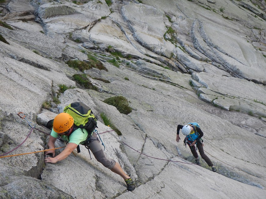 Denk Kletterausrüstung : Mehrsseillängen alpinklettern und campen [archiv] outdoorseiten.net