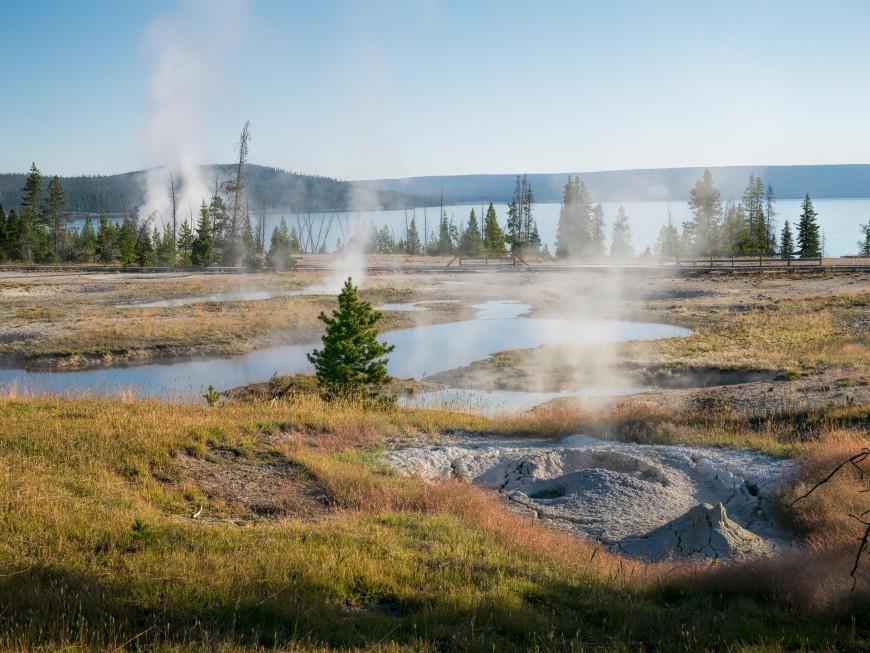 aaa_Yellowstone_1_of_17_